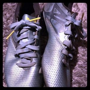 Mens Cleats Used 9.